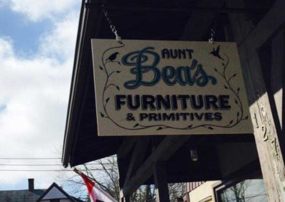 Aunt Bea's Furniture and Primitives